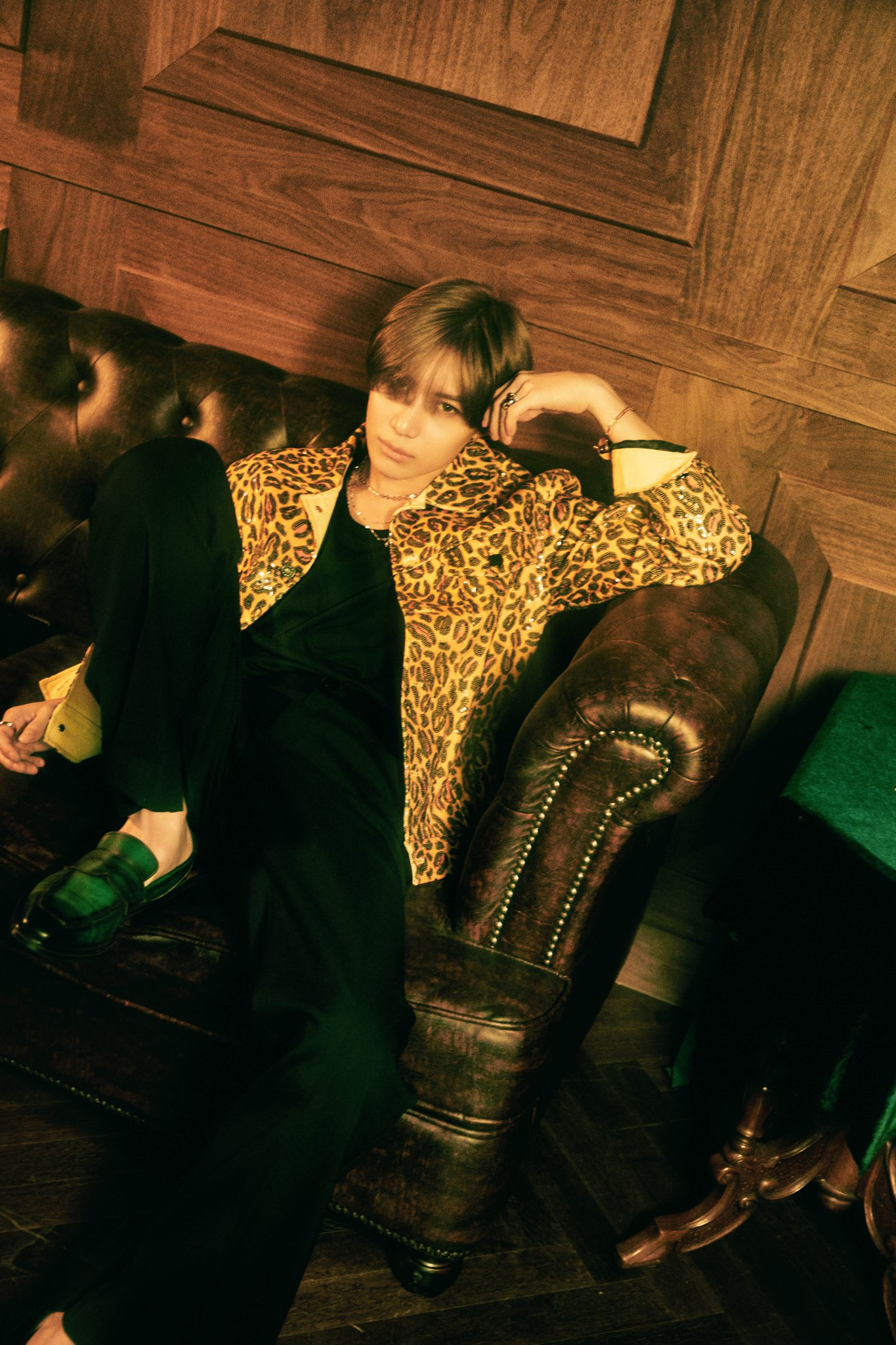 taemin shinee d voile une vid o et de nouvelles photos teasers pour son comeback k gen. Black Bedroom Furniture Sets. Home Design Ideas